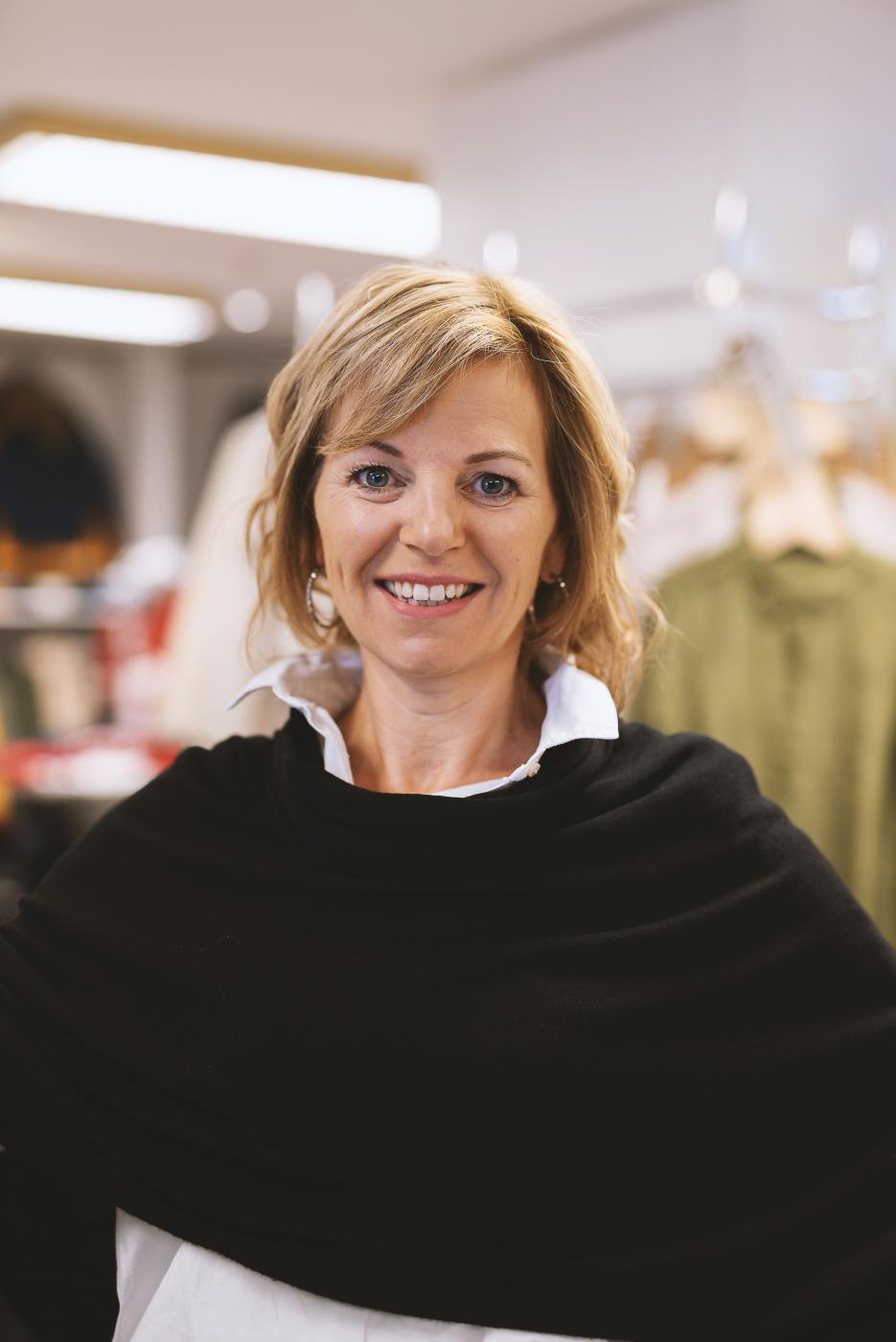 Portrait von Sabine Holler